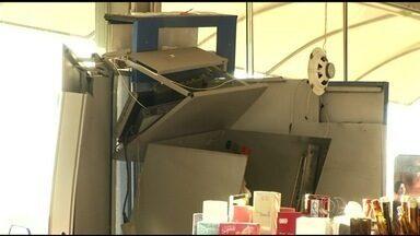 Criminosos explodem caixa eletrônico em Anápolis - Segundo a polícia, suspeitos usaram dinamites para destruir o caixa, que fica dentro de uma farmácia da cidade.