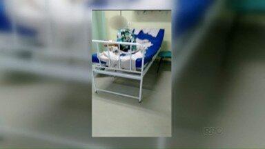 Vídeo gravado por paciente mostra leitos da UPA com lençóis de papel - As imagens foram gravadas na noite de quarta-feira na Unidade de Pronto Atendimento, no Jardim das Palmeiras.