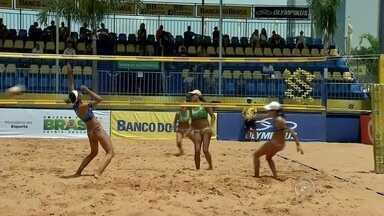 Circuito Brasileiro de Vôlei de Praia é realizado em Bauru - Começou nesta quinta-feira, o Circuito Brasileiro de Vôlei de Praia, em Bauru. A torcida vai ter a oportunidade de ver as campeãs mundiais jogando nas quadras na avenida Getúlio Vargas.