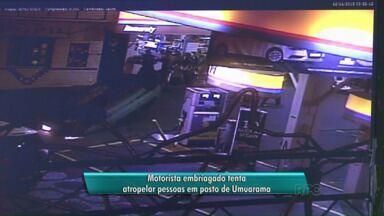 Motorista tenta atropelar pessoas no pátio de um posto em Umuarama - Segundo a polícia, o homem teria discutido com uma mulher. Pessoas que estavam no local impediram a agressão. Ele entrou no carro e tentou atropelar quem estava no pátio. O motorista foi preso em flagrante e ninguém ficou ferido.