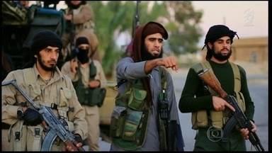 Estado Islâmico faz agora ameaças contra a capital americana - Vídeo com ameaça foi postado no site em que terroristas usam para divulgar mensagens. Governo americano disse que não vai mudar estratégia de combate ao grupo.