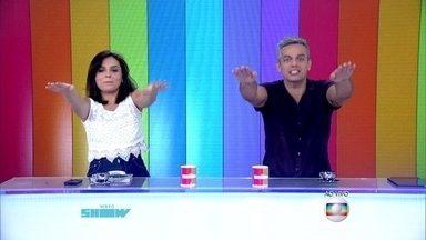 Otaviano Costa e Monica Iozzi fazem coreografia na abertura do programa - Apresentadores do Vídeo Show dizem que o programa é como uma rave