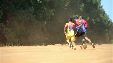 A vontade de jogar futebol que supera qualquer dificuldade - A vontade de jogar futebol que supera qualquer dificuldade