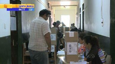 Moradores de Paso de Los Libres elegem novo presidente argentino - Na Fronteira do RS com Argentina a população votou.