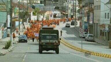Moradores fazem passeata no Sul de Minas em prol do Hospital do Câncer de Barretos (SP) - Moradores fazem passeata no Sul de Minas em prol do Hospital do Câncer de Barretos (SP)