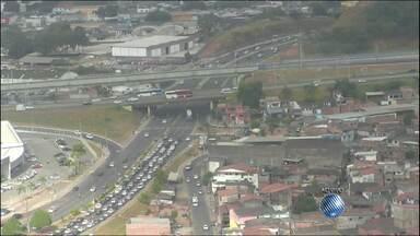 Veja imagens do trânsito nas avenidas Paralela, Luís Eduardo, no Cabula e na LIP - Confira no radar do JM.