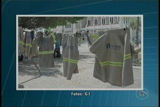 Funcionários da Celpe paralisam as atividades por 24h em Petrolina, PE - Além de PE, paralisação acontece na Bahia e no Rio Grande do Norte.Sindicato não descarta possibilidade de greve.