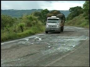 Rodovia que liga o norte Gaúcho a Santa Catarina tem trechos em péssimas condições - O governo Federal já aprovou a liberação de verbas para obras, mas até agora nada.