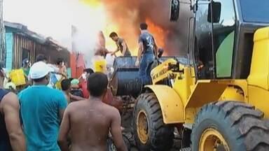 Incêndios assustam moradores em municípios do AM - Manaus, Manacapuru e Fonte Boa, foram as cidades que sofreram com focos de incêndio durante fim de semana.
