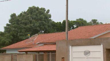 Casas do CDHU em Itobi esperam por aquecedor solar após dois anos - Moradores disseram que já foram na Prefeitura e CDHU, mas até agora não obtiveram resposta. Empresa informou que vai instalar os equipamentos em breve.