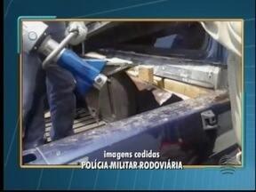 Polícia apreende mais de 180 quilos de maconha em caminhonete - Indivíduos serão levados para a Cadeia de Presidente Venceslau.