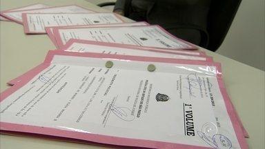 Polícia Civil investiga fraude na emissão de CNH no Detran de Jundiaí - A Polícia Civil investiga supostas fraudes na emissão de carteiras de habilitação no Detran de Jundiaí. Os motoristas devem ser chamados para prestar depoimento nos próximos dias. Funcionários do Detran também devem ser ouvidos.