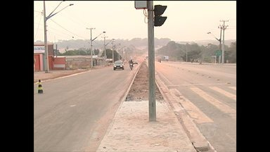 Santarém terá primeiro sinal sonoro para pedestres a partir de quinta - Equipamento está sendo instalado na Rodovia Fernando Guilhon. Aparelho servirá de referência principalmente para deficientes visuais.