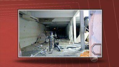 Bandidos explodem banco em Nordestina, no norte do estado - Criminosos chegaram a bloquear a saída do quartel da polícia.