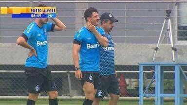 Grêmio se reapresenta na quarta (2) e treina para jogo contra o Joinville no domingo (6) - Meia Juliano treinou normalmente.