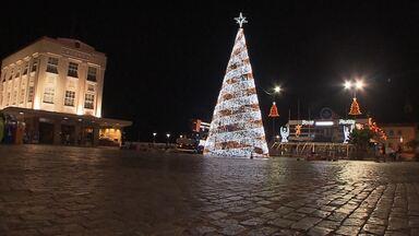Decoração de Natal é inaugurada em Salvador - Trinta e oito espaços ganharam luzes e ficaram mais alegres e coloridos.