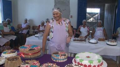 Natal: Mulheres da zona rural de Feira de Santana aprendem a fazer doces e artesanatos - A iniciativa deve garantir uma renda extra para as famílias; conheça.