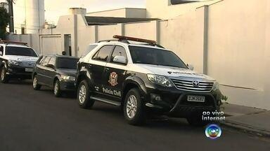 Operação da Polícia Civil cumpre mandados de prisão de quadrilha em Assis - Operação da Polícia Civil em Assis (SP) cumpre mandados de prisão de uma quadrilha que age dentro e fora dos presídios.