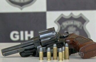 Jovem é preso suspeito de matar menino de 12 anos, em Luziânia - Com ele foi apreendido um revólver calibre 38 e munições. Rapaz já tem passagem por tráfico de drogas.