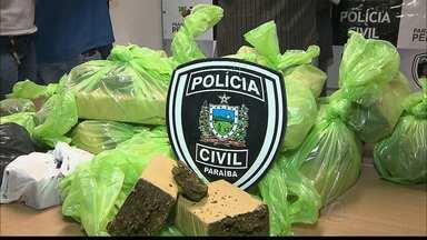 Adolescente é detida acusada de tráfico de drogas em Santa Rita - Mais de 25 quilos de maconha foram apreendidos dentro da casa da adolescente e outras três pessoas foram presas.