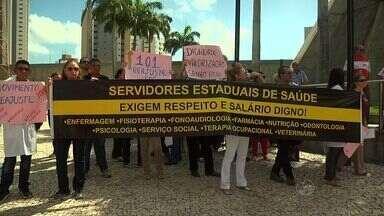 Agentes de saúde e endemias fazem protesto em Fortaleza - Categorias pedem implantação do piso nacional e plano de cargos e carreiras.