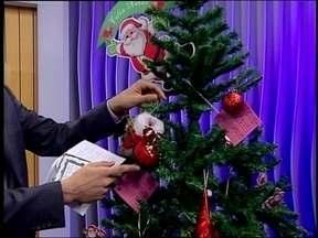 Nossa Árvore de Natal está cada dia mais bonita - As doações que vão ajudar na campanha de Natal estão garantindo lindos enfeites em Erechim,RS.