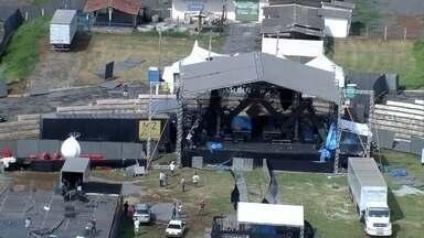 Parte de palco e camarote caem durante show de Wesley Safadão em Sete Lagoas - A apresentação foi cancelada e será remarcada. Oito pessoas ficaram feridas. Chovia forte no momento do acidente.