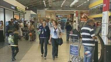 Aeroporto de Viracopos ganha reforço na fiscalização neste período do ano - A quantidade de funcionários também vai aumentar a partir de sexta-feira (11).