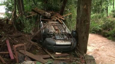 Temporal causa morte e destruição em cidade do Sudoeste - Uma mulher morreu e outra está desaparecida.
