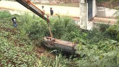 Em Açailândia, cinco pessoas ficam feridas após acidente - O acidente foi causado por animais na pista.