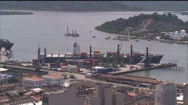 Leilão de áreas no porto de Santos rendem R$ 430 milhões - Esse foi o valor arrecadado pelo Governo com o leilão de três áreas no porto de Santos.