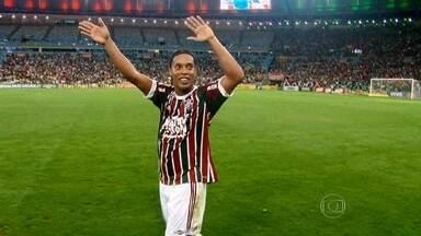 Ronaldinho Gaúcho volta a jogar pelo Fluminense - O jogador vai defender o time em apenas duas partidas: contra o Shakhtar Donetsk, da Ucrânia, e o Internacional, durante um amistoso nos Estados Unidos.