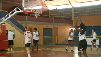 Maranhão Basquete treina para partida contra Corinthians/Americana nesta quinta-feira (10) - Time paulista inicia uma série de jogos contra as equipes maranhenses; jogo ocorre nesta quinta-feira (10), em São Luís.