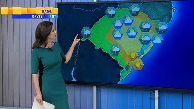 Tempo: chuva retorna ao RS neste sábado (12) - Pancadas de chuva atingem principalmente o norte do estado.