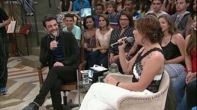 Rodrigo Lombardi e Fabiula Nascimento dublam cena de TV - Cantores se divertem com dublagem no 'Altas Horas'