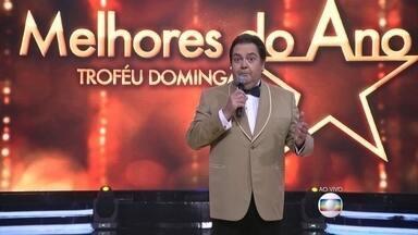 Começa o Melhores do Ano 2015 e Faustão anuncia primeiro prêmio - Apresentador conversa com os atores João Gabriel, Mel Maia e Sabrina Nonata