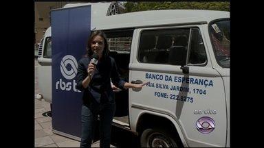 Ao vivo da Praça Saldanha Marinho campanha arrecada alimentos para doação no Natal - Telespectadores participam da campanha de Natal doando alimentos para o Banco de Alimentos do Rio Grande do Sul.