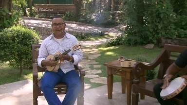 Dudu Nobre abre o programa cantando 'Chegue mais' - O sambista será a atração musical do programa de hoje