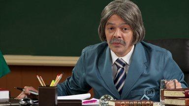 Episódio 2 - Seu Boneco anuncia que está gravando 'Topra de Elite 4'. Zé Bonitinho recebe convite para ser preparador de galãs de novelas.
