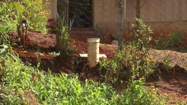 Moradores do bairro Morumbi reclamam da taxa de instalação da rede de esgoto - Segundo eles, o valor combinado era menor do que o que foi cobrado.