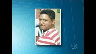 Continuam buscas por homem desaparecido na praia Ponta do Cururu - Buscas foram retomadas na manhã desta segunda-feira (28). Marcelo Pimentel sumiu na sexta-feira (26) após tentar resgatar uma lancha.
