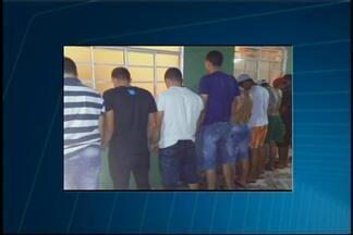 Dez jovens são detidos em um condomínio na região de Furnas - PM informou que eles participavam de um baile funk. Os militares foram acionados pela vizinhança.