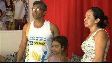 Carteiro do sertão da Paraíba se prepara para a Corrida de São Silvestre - Evento vai ser realizado na próxima quinta-feira, no último dia do ano.