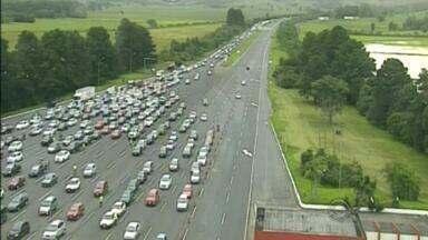 Principais rodovias do RS registraram grande movimento de veículos nesta quinta-feira (31) - 72 mil veículos devem passar pela Freeway até a meia-noite.