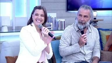 """Alice Wegmann e Leopoldo Pacheco falam sobre a estréia de """"Ligações Perigosas"""" - A minissérie estréia hoje no Globo Play"""
