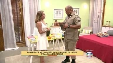Cissa Guimarães se emociona com história de bombeiro que salvou uma criança num incêndio - João Miguel, de 2 anos, foi salvo por Marcos Vinícius