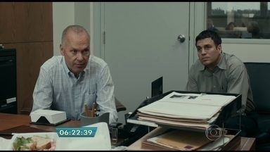 'Spotlight' conta a história de uma grande investigação feita por jornalistas - O filme reconstrói a investigação sobre pedofilia na Igreja. A tragédia é mostrada de forma sóbria, guiada por jornalismo investigativo.