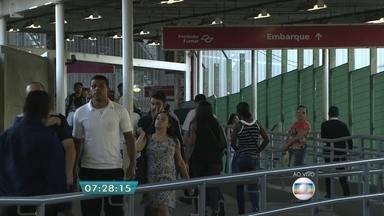 Problema em trem de carga causa lentidão da Linha 7-Rubi da CPTM - Um trem de carga quebrou durante a madrugada e causou lentidão na linha entre as estações Francisco Morato e Luz. A CPTM já retirou o trem de carga e diz que a operação está em processo de normalização.