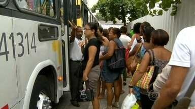 Passageiros perdidos enfrentaram a mudança de linhas de ônibus que passam pela zona sul - Sete linhas deixaram de existir e foram substituídas por troncais. Mas os passageiros estão com dificuldade em saber qual o novo trajeto dos ônibus.