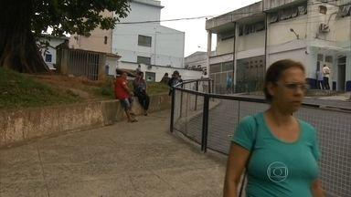 Hospital Rocha Faria passou hoje para administração municipal - Funcionários fizeram manifestação contra possíveis transferências.